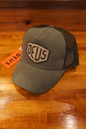 DEUS EX MACHINA FOXTROT SHIELD TRUCKER (OLIVE)
