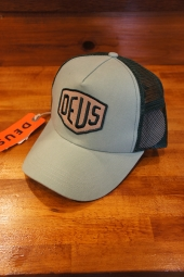 DEUS EX MACHINA FOXTROT SHIELD TRUCKER (MINT)