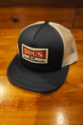 DEUS EX MACHINA ONE TRUCKER (BLUE)