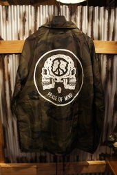 SKETCHY TANK PEACE OF MIND COACHES JACKET (CAMO)