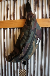 VANS WARD CROSS BODY PACK (CAMO)