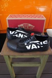 VANS OLD SKOOL (VANS) BLACK/TRUE WHITE