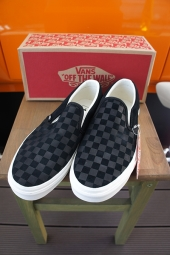 VANS CLASSIC SLIP-ON (Checker Emboss) Black/Ma