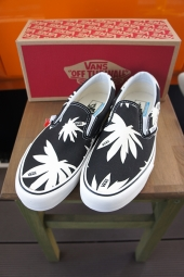 VANS CLASSIC SLIP-ON SF (SUMMER LEAF) BLACK/WHITE