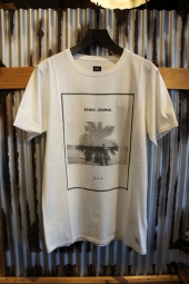 BANKS JOURNAL JOHN HOOK DAZE TEE SHIRT (OFF WHITE)