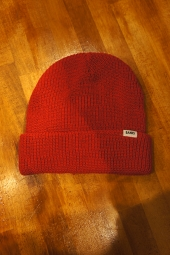 BANKS JOURNAL PRIMARY BEANIE (VINTAGE RED)