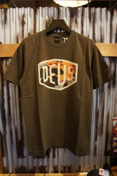 DEUS EX MACHINA Chulo Shield Tee (DARK OLIVE)