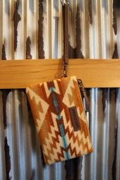 PENDLETON THREE POCKET KEEPER (PAGOSA SPRINGS)