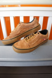 VANS ×ANTIHERO OLD SKOOL PRO (ANTI HERO)CARDIEL/CAMEL